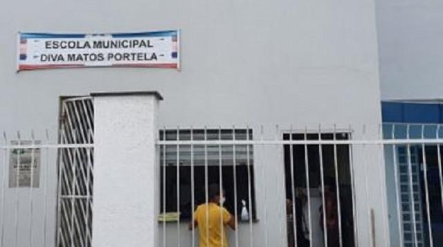 Feira: Homens invadem escola e roubam dinheiro e celulares de funcionários